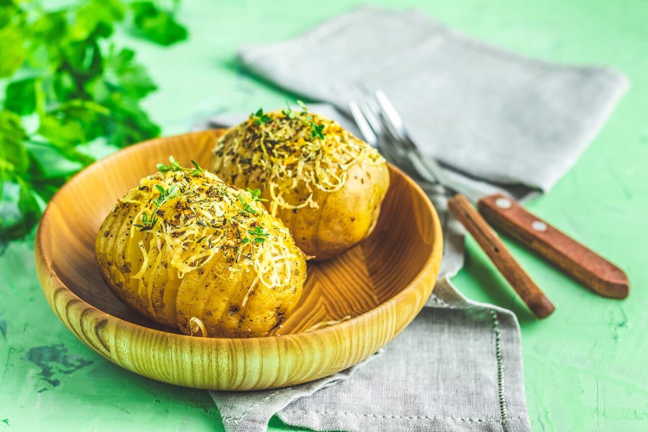 Запеченная картошка с сыром