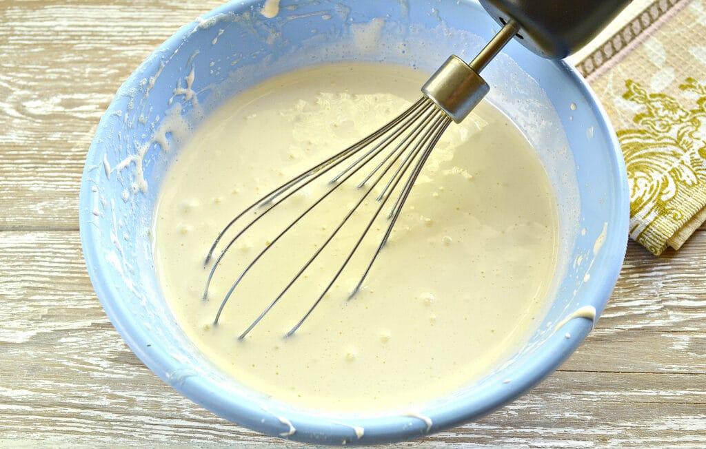 Фото рецепта - Шарлотка с яблочно-ягодным ассорти - шаг 2