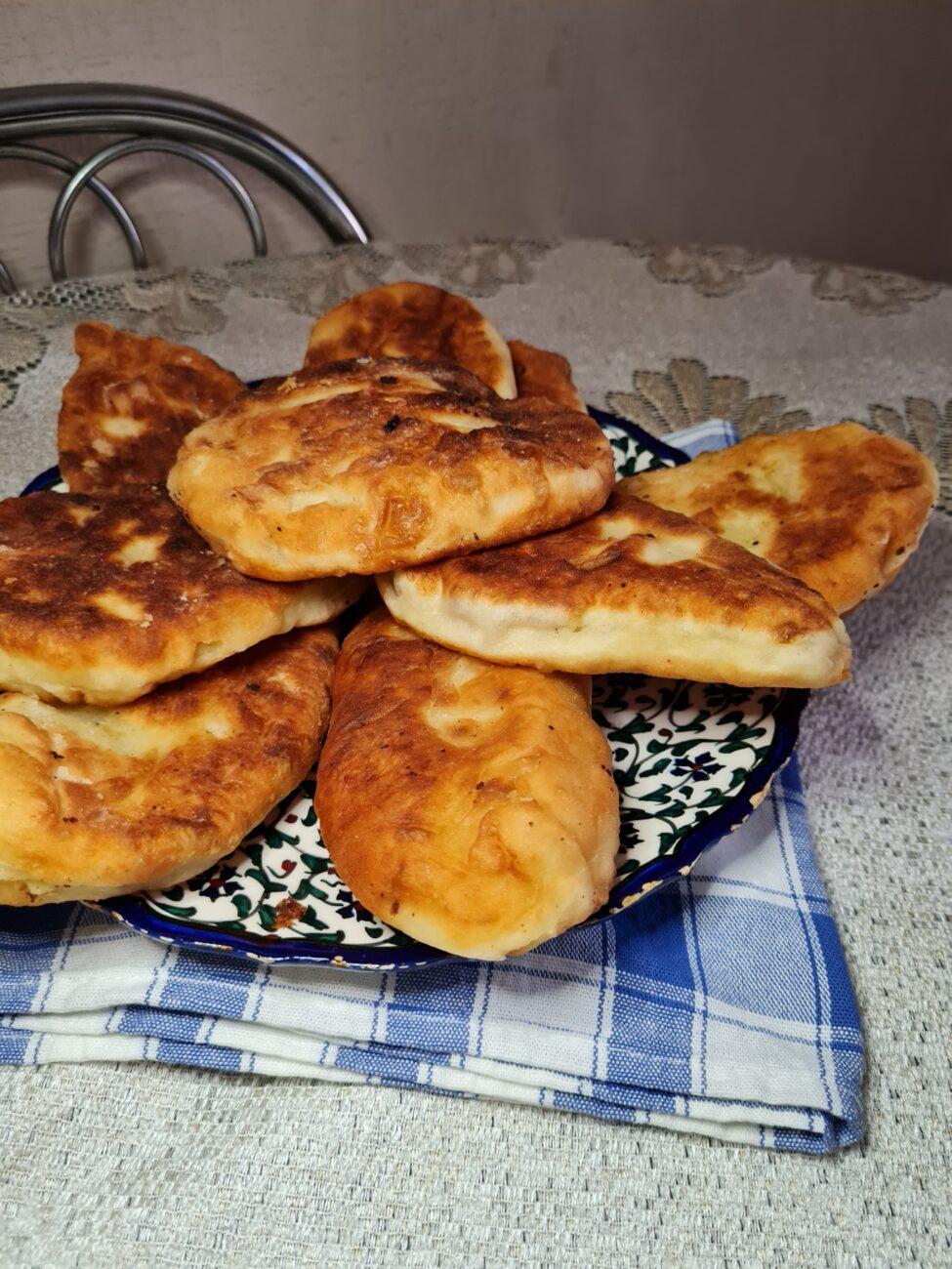 Пирожки на кефирном тесте без дрожжей