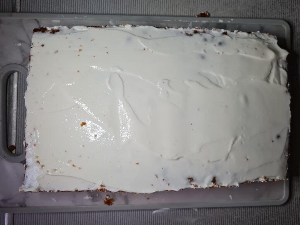 Фото рецепта - Торт «Медовик» без раскатки коржей - шаг 8
