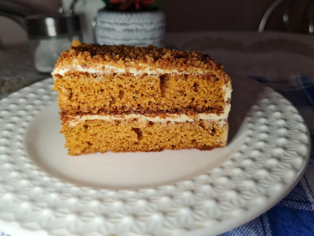 Фото рецепта - Торт «Медовик» без раскатки коржей - шаг 10