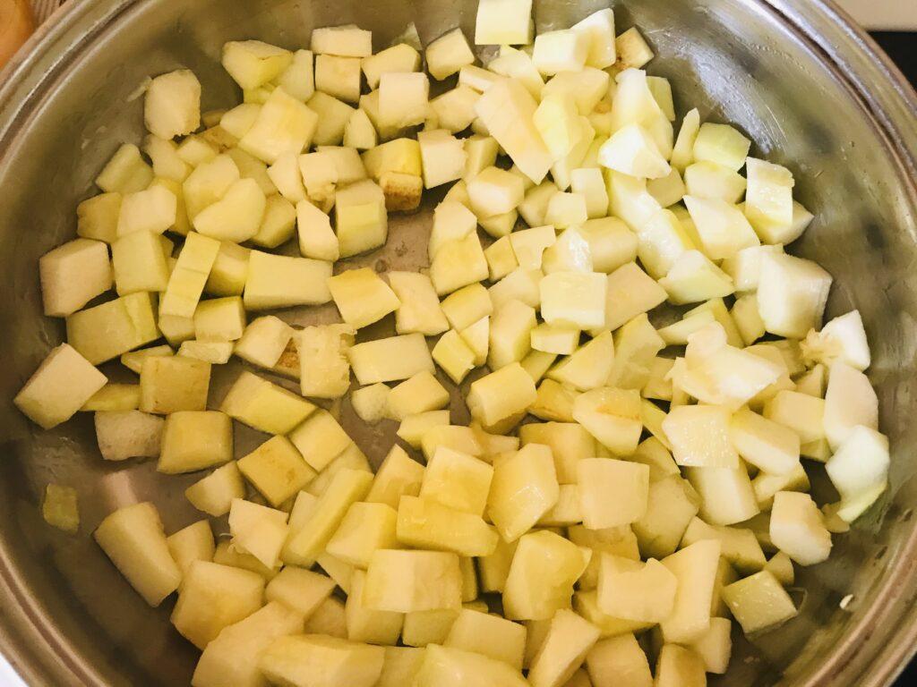 Фото рецепта - Тушеные кабачки с капустой - шаг 2
