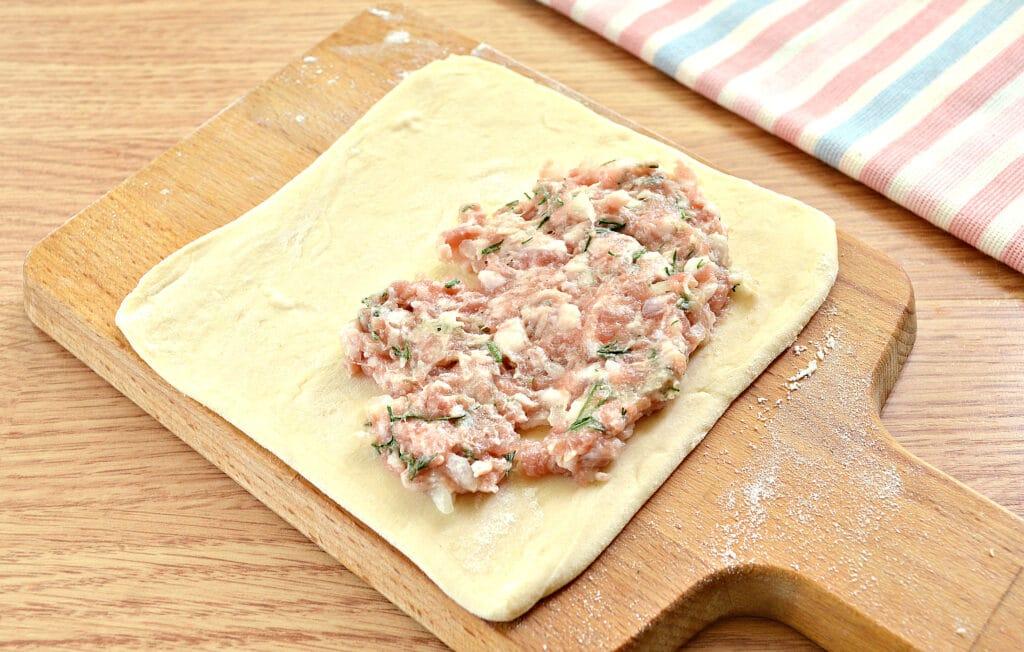 Фото рецепта - Слойки с мясным фаршем - шаг 4