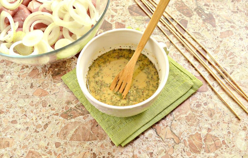 Фото рецепта - Маринад для шашлыка из свинины в духовке - шаг 6