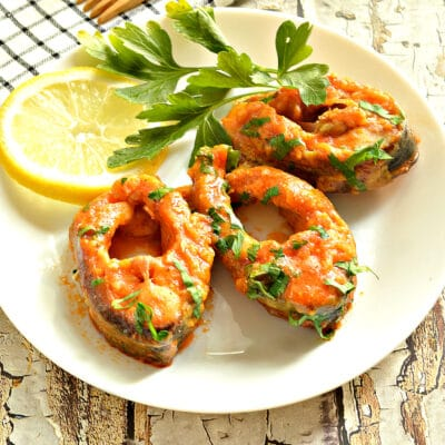 Тушеная рыба в соусе на сковороде - рецепт с фото