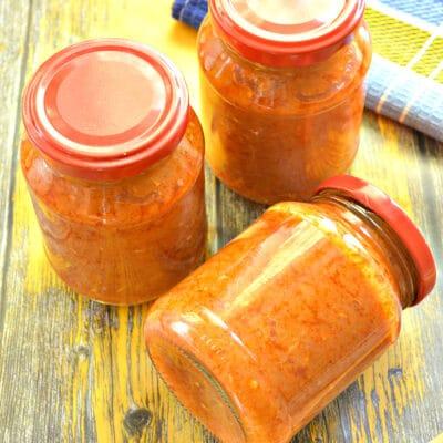 Кабачковая «аджика» с чесноком и томатной пастой - рецепт с фото