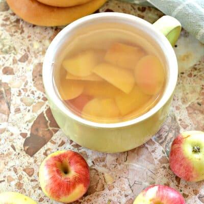 Яблочный компот в кастрюле - рецепт с фото