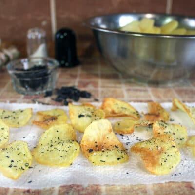 Домашние картофельные чипсы - рецепт с фото