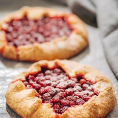 Галета с малиной (открытый пирог) - рецепт с фото