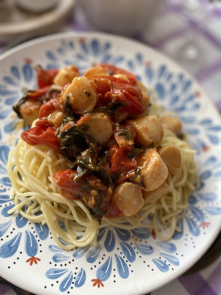 Фото рецепта - Паста с морскими гребешками и шпинатом - шаг 9