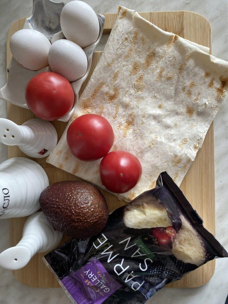 Фото рецепта - Омлет в лаваше с начинкой - шаг 1