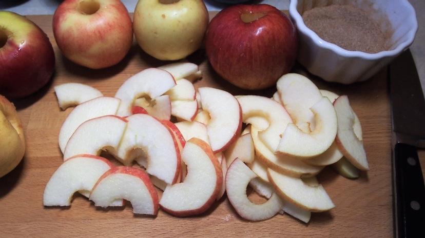 Фото рецепта - Яблочные розы - шаг 7