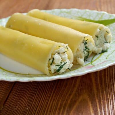 Канеллони со шпинатом и сыром - рецепт с фото