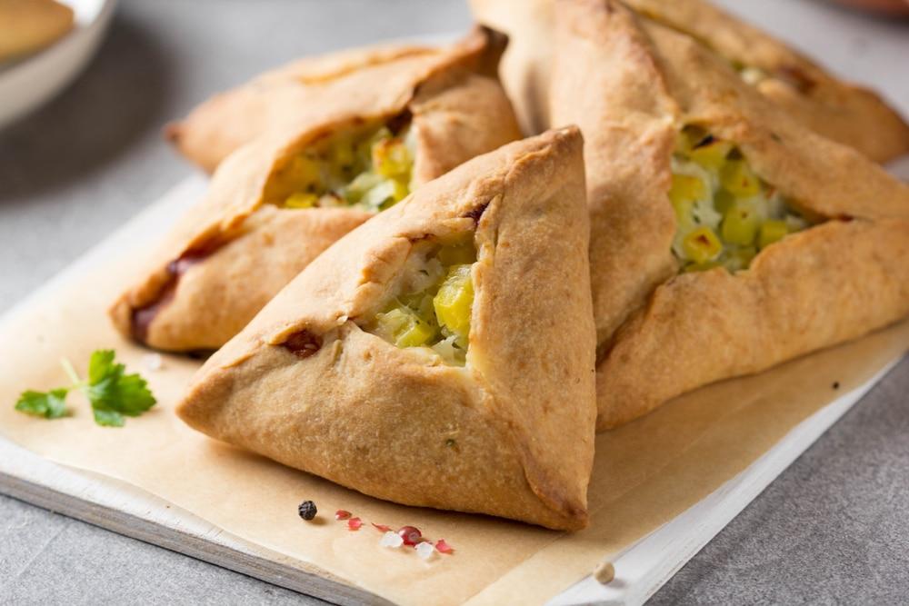 Фото рецепта - Курник с курицей и картофелем - шаг 7