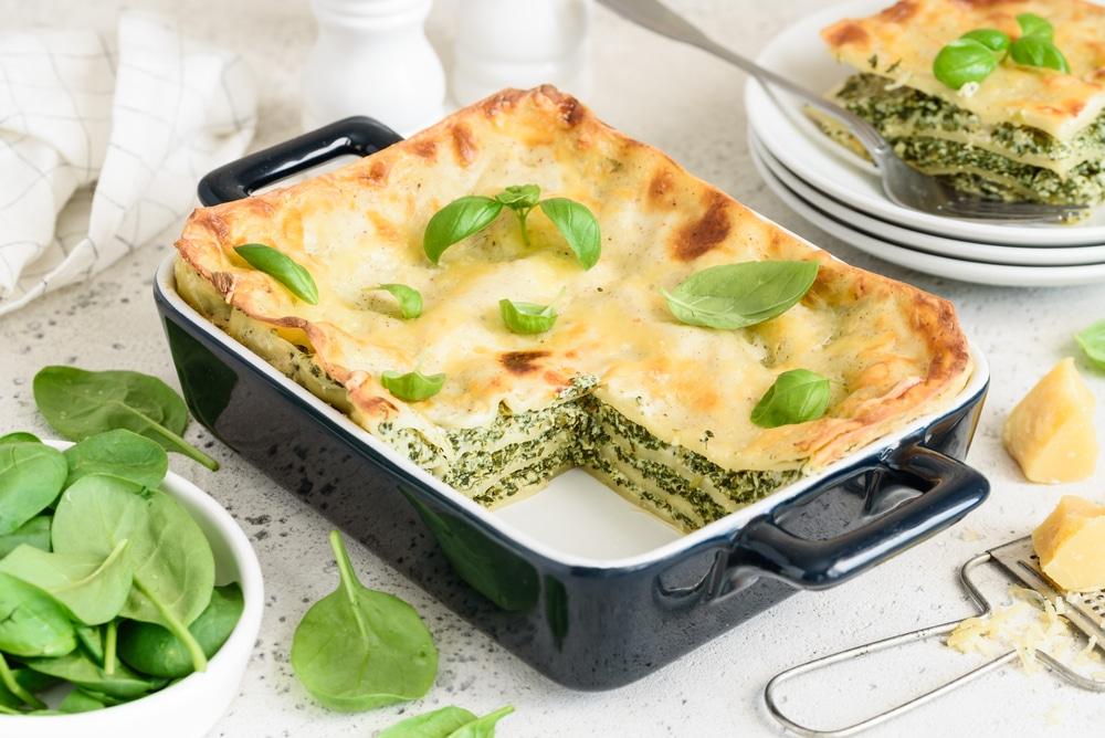Фото рецепта - Лазанья со шпинатом и сыром - шаг 11