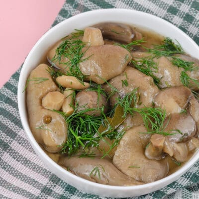 Маринованные грибы - рецепт с фото