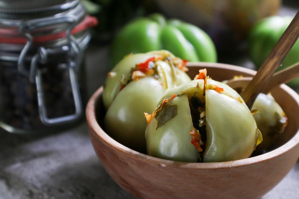 Фото рецепта - Маринованные зеленые помидоры с зеленью - шаг 7