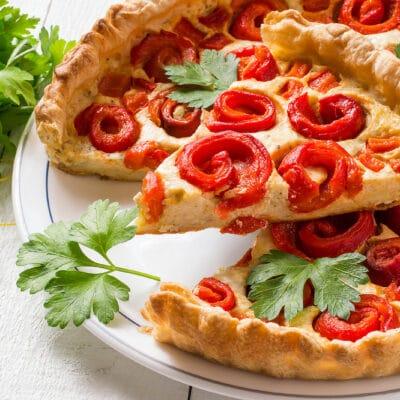 Несладкий пирог с творогом и перцем - рецепт с фото