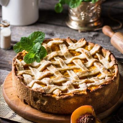 Открытый пирог с персиками - рецепт с фото