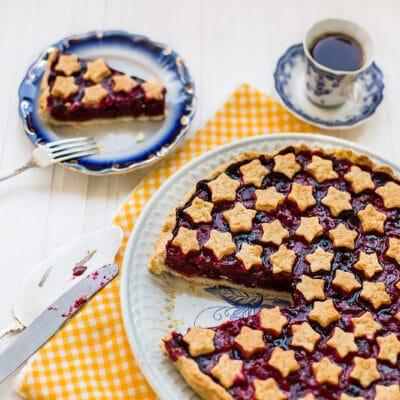 Пирог с черной смородиной - рецепт с фото