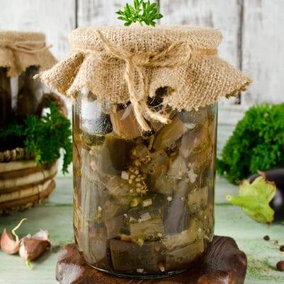 Салат из баклажанов с чесноком и зеленью (на зиму) - рецепт с фото