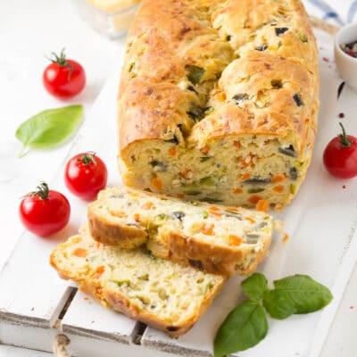 Закусочный домашний хлеб с овощами - рецепт с фото