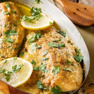 Запеченная рыба в чесночно-масляном соусе