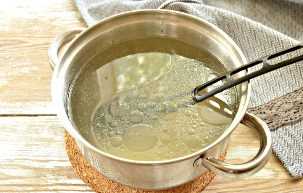 Фото рецепта - Картофельный суп с курицей и грибами - шаг 1