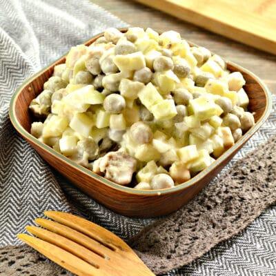 Салат со свининой, горошком и свежим огурцом - рецепт с фото