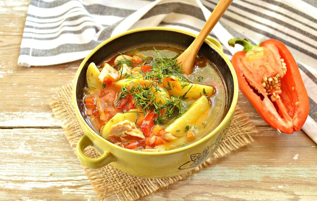 Фото рецепта - Картофельный суп с курицей и грибами - шаг 7