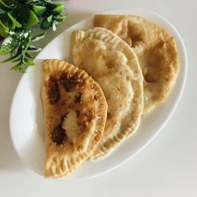 Чебуреки с творожной начинкой - рецепт с фото