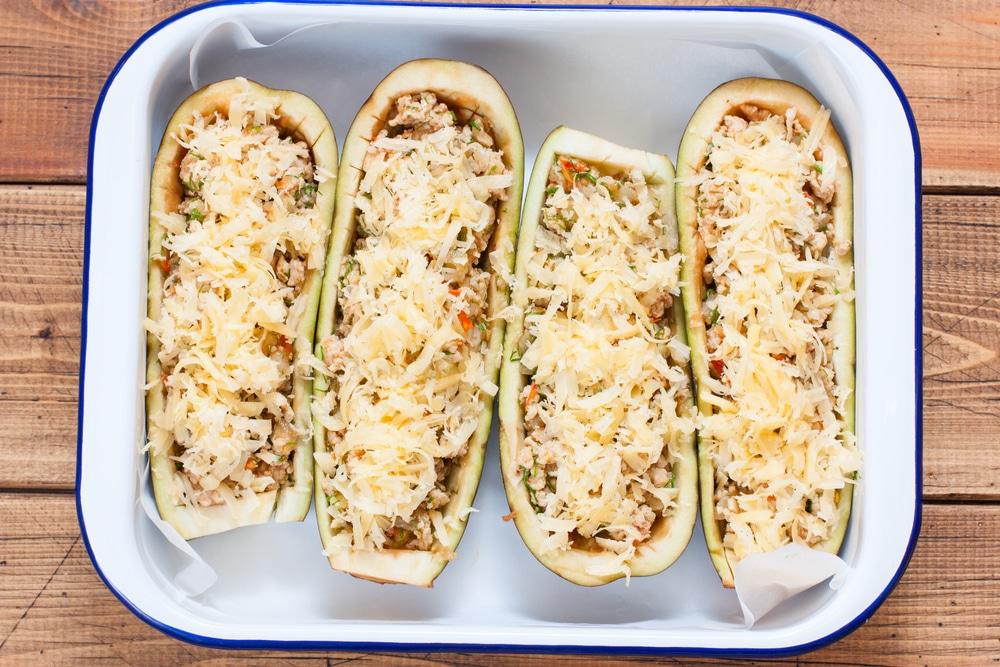 Фото рецепта - Фаршированные баклажаны с мясом и помидорами - шаг 6