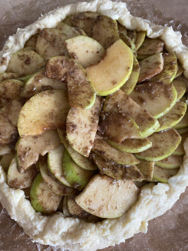 Фото рецепта - Галета с яблоками - шаг 15