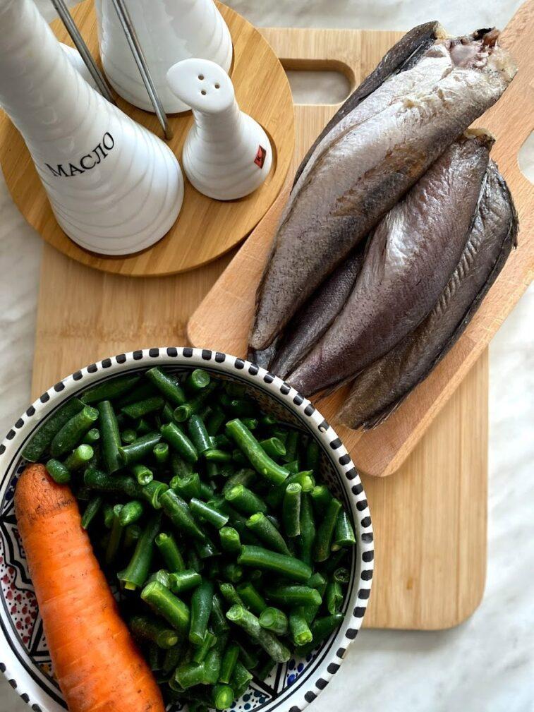 Фото рецепта - Хек с овощами - шаг 1