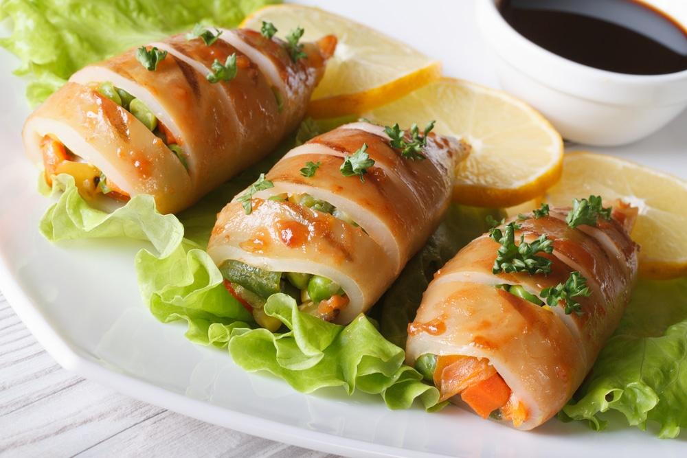 Фото рецепта - Запеченные кальмары, фаршированные овощами - шаг 8