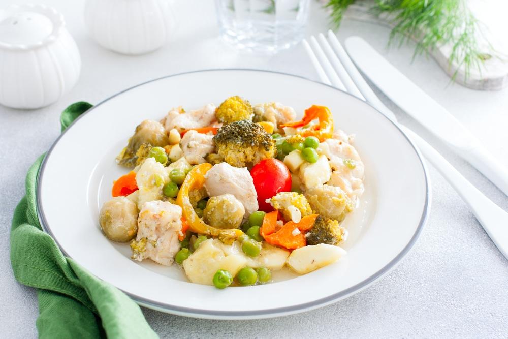 Фото рецепта - Куриная грудка, запеченная с овощами - шаг 12