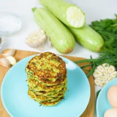 Оладьи из кабачков с зеленью - рецепт с фото