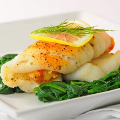 Рыба, фаршированная крабами и овощами - рецепт с фото