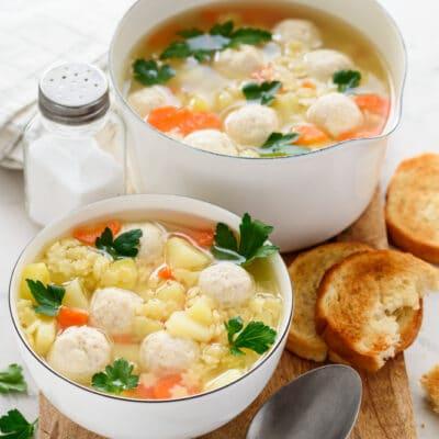 Суп с куриными фрикадельками и макаронами