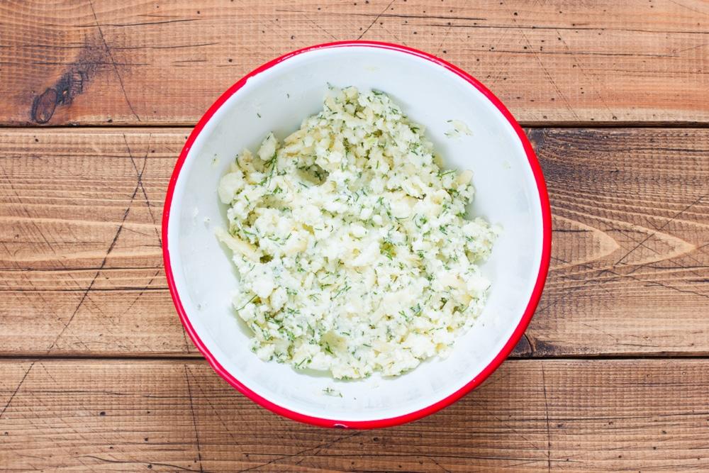 Фото рецепта - Запеченные рулеты из бекона с сыром - шаг 2