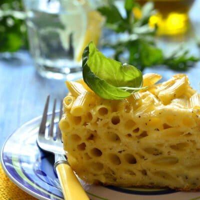 Запеканка из пенне с яйцами и сыром - рецепт с фото