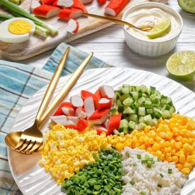 Салат из кукурузы с крабовыми палочками