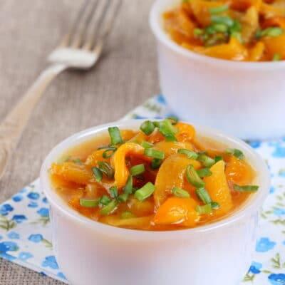 Салат из желтого болгарского перца - рецепт с фото