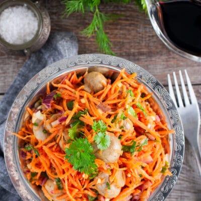 Салат с морковью и шампиньонами