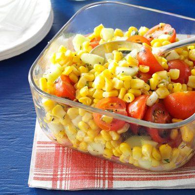 Мексиканский салат с огурцами и помидорами - рецепт с фото