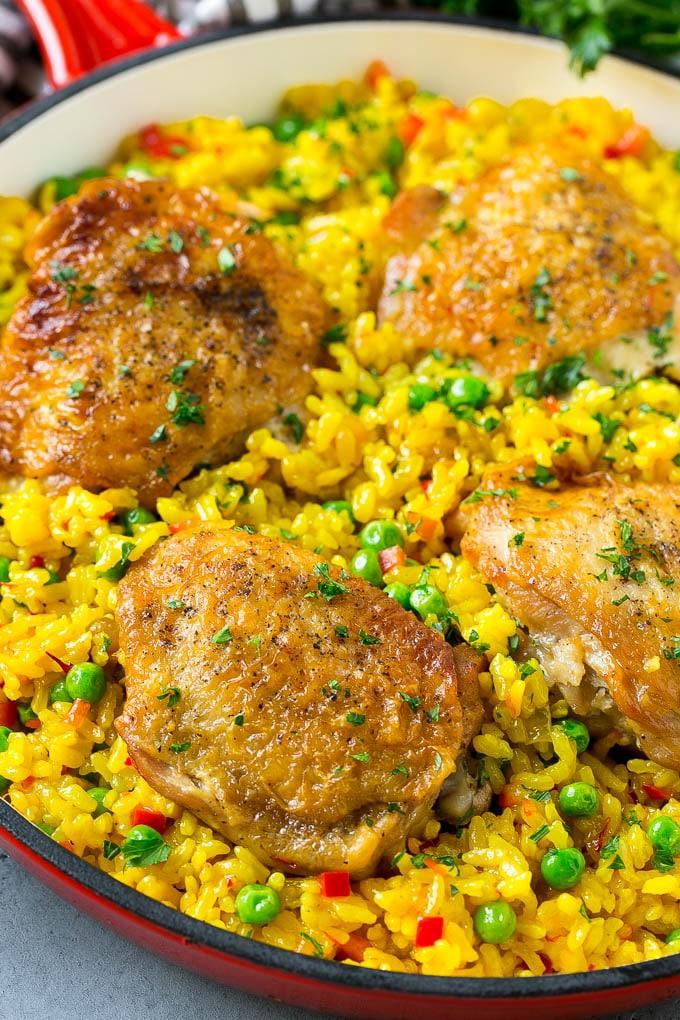 Испанский рис с куриным бедром