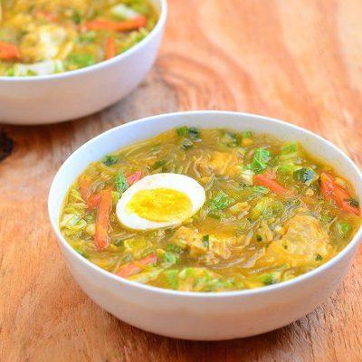 Филиппинский суп с карри и яйцом - рецепт с фото