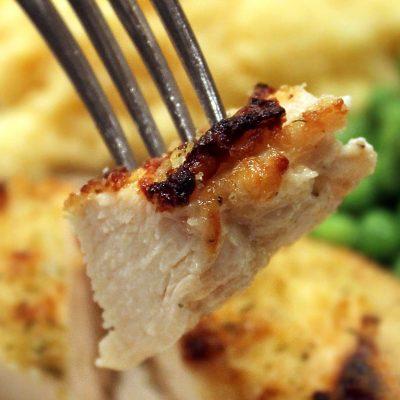 Куриные бедра с картошкой, запеченные в духовке - рецепт с фото