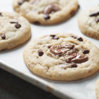 Простое тесто для печенья с шоколадом - рецепт с фото