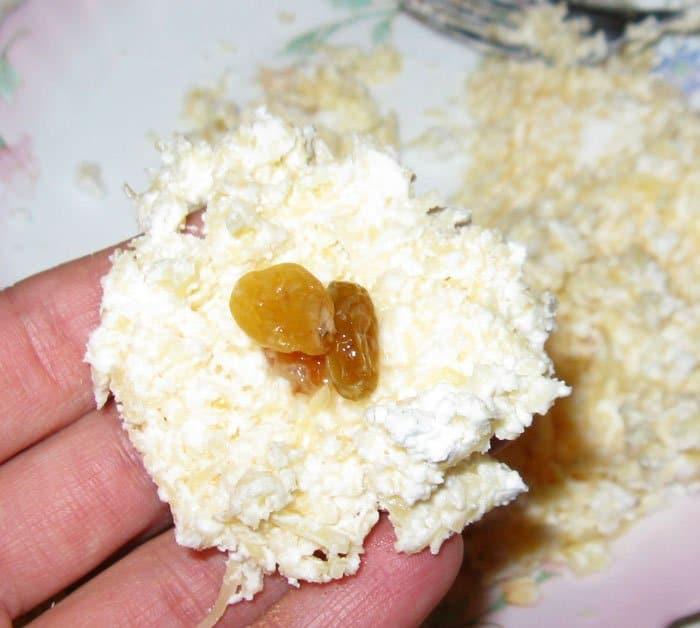 Фото рецепта - Творожно-сырные шарики с начинкой - шаг 4